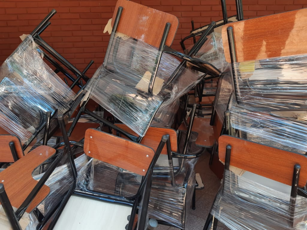 Nuevas sillas con pupitre